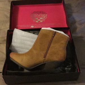 Vince Camuto Hammerton Ankle Boots (Aged Suede)